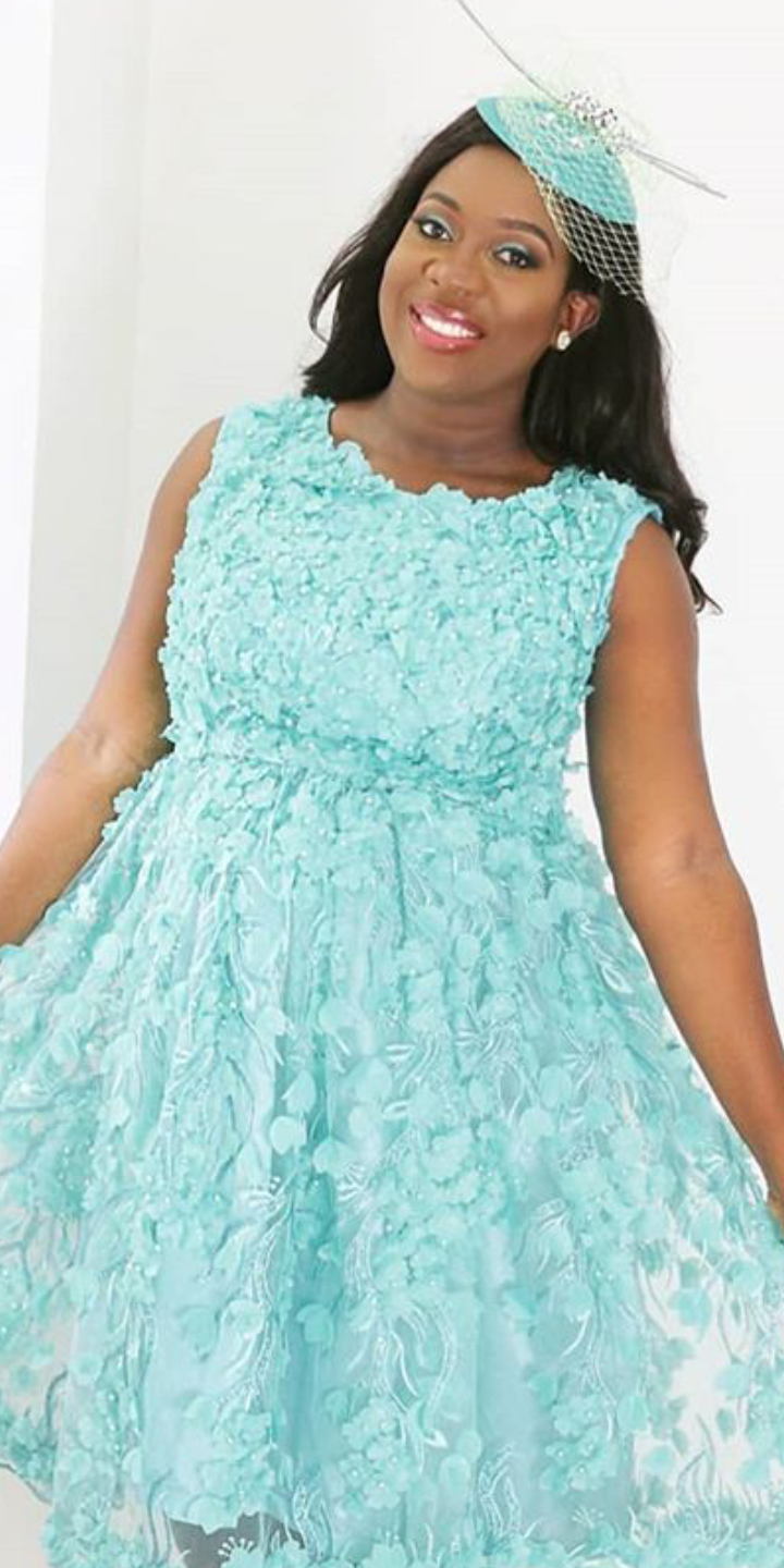 sisi yemi pregnant in a blue dress for Instagram