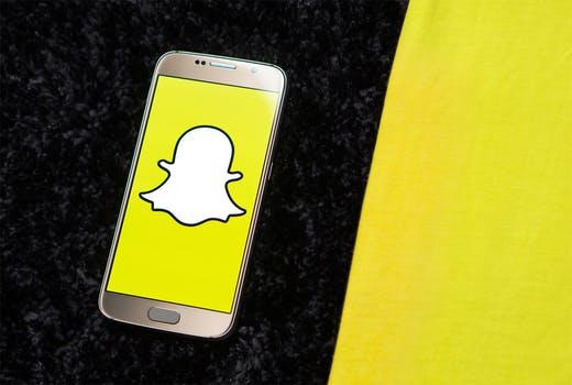 snap chat versus Instagram.jpeg