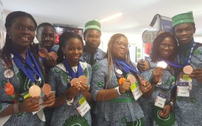 The five Nigerian students and their mentors in Mexico